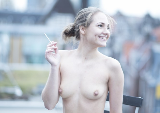 content/052016_mira_arriving_to_amsterdam_to_shoot_on_our_roof_masturbating/0.jpg