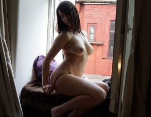 content/081817_19yo_selena_masturbating_in_my_bedroom_window/4.jpg
