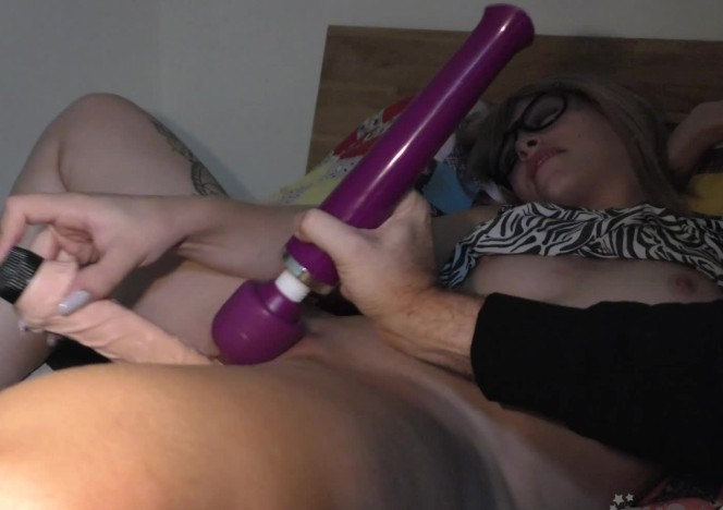 content/101618_thick_and_long_dildo_young_pussy_stretch_fest_marissa_letting_me_help_her_orgasm/0.jpg