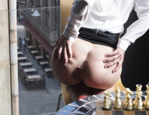 content/102315_gorgeous_mira_nude_in_public_on_my_balcony_masturbating/2.jpg