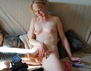 content/110317_small_18yo_jete_using_rabbit_full_sized_dildo_on_my_couch/4.jpg