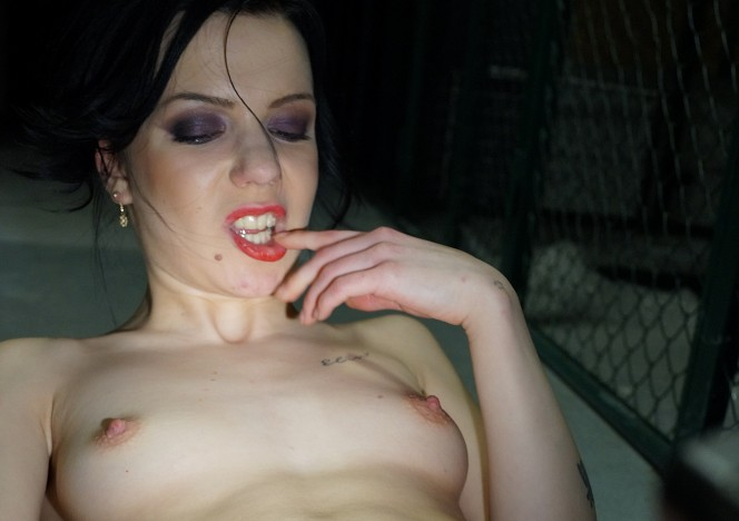 content/122716_luize_masturbating_with_a_dildo_in_my_cold_dark_basement/0.jpg